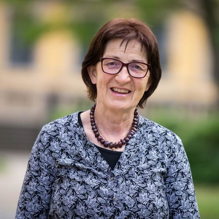 Idiolektik Dozentin - Ivonne Krüger